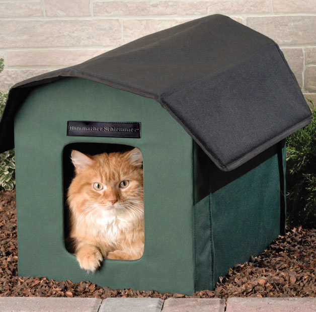 Outdoor Shelters For Animals : Outdoor heated cat shelter slash pets